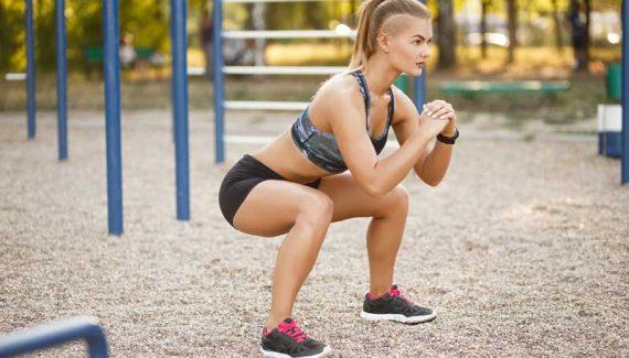 tonificare glueti con lo squat